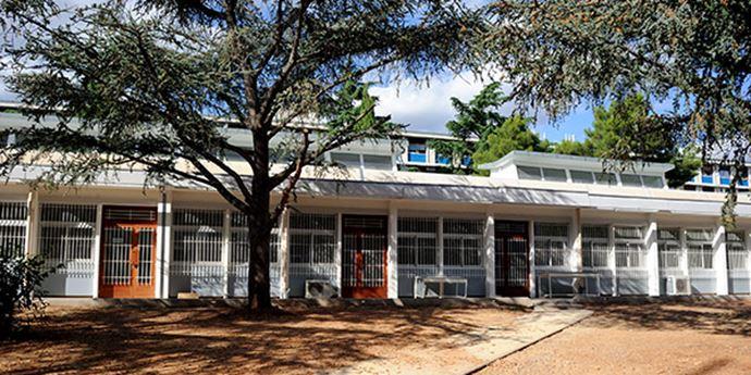 Université De Montpellier - Sciences Et Lettres - Réhabilitation des menuiseries bois intérieures et extérieures, menuiseries aluminium extérieures.